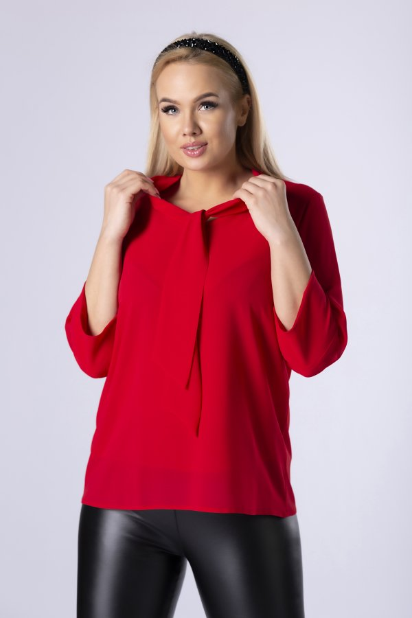 rdeča-bluza-s-pentljo