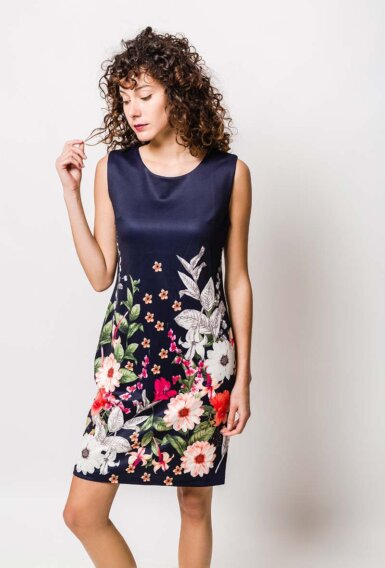 obleka-z-rožicami-v-spodnjem-delu
