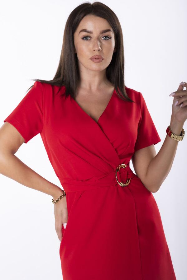 elegantna-obleka-z-asimetricnim-spodnjim-robom-rdeča