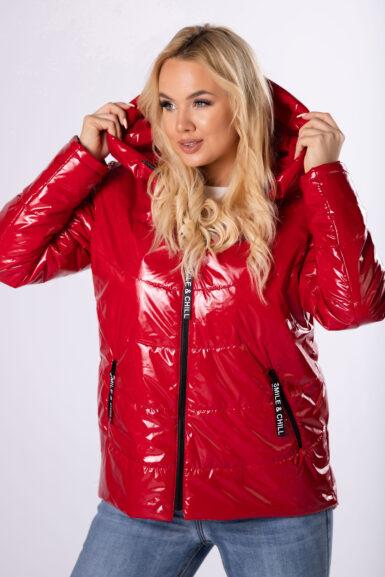 prehodna-jakna-v-metal-izgledu-s-kapuco-bordo-rdeca