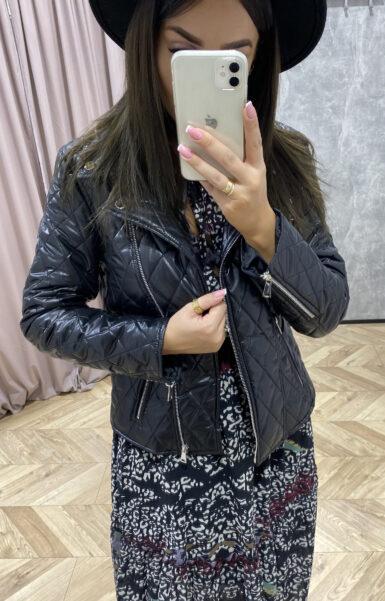 črna-lahka-prešita-jakna-kratka