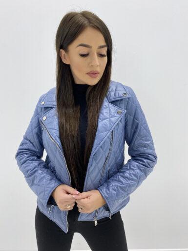 modna-kratka-presita-jakna-z-zadrgami-svetlo-modra