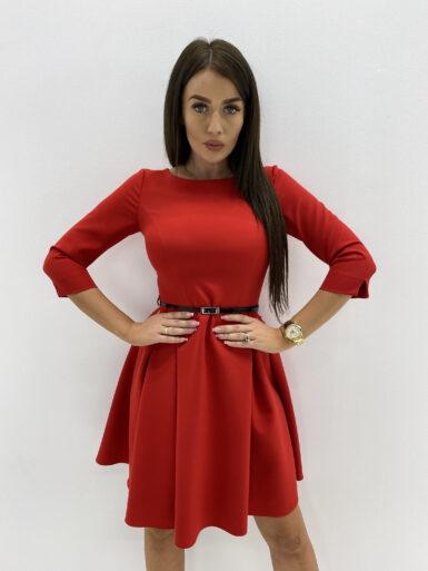 obleka-z-gubami-in-paščkom-rdeča