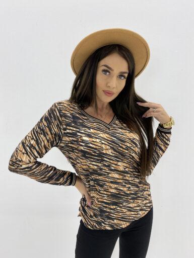majica-bluza-z-detajli-v-izrez-11