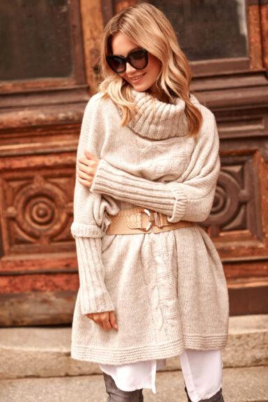 pončo-pulover-v-prevelikem-izgledu-bež