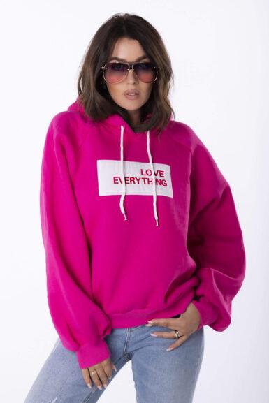bombazni-pulover-oversize-s-kapuco-vec-barv-3