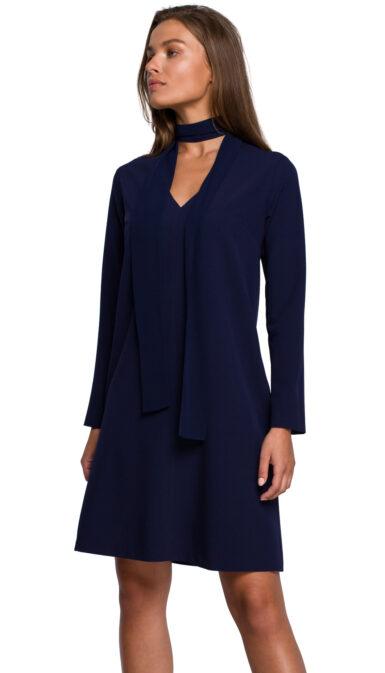 obleka-trapezna-s-salom-temno-modra